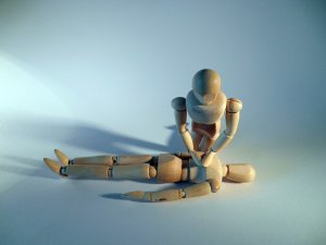 wooden jointed dolls do first aid